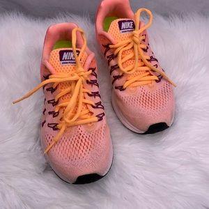 Nike Zoom Pegasus 33 Sneakers
